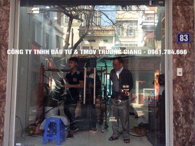 Mẫu Cửa kính cường lực nhà Em Lưu ở  Ninh Bình