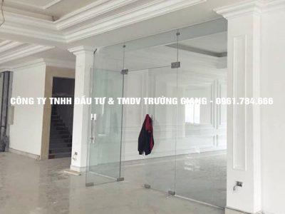 Mẫu Cửa kính cường lực nhà Ông Thái ở  Ninh Bình