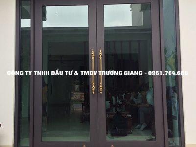 Mẫu Cửa kính cường lực nhà Chị Thắm ở  Ninh Bình