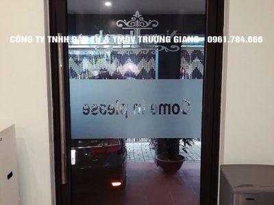 Mẫu Cửa kính cường lực nhà Chị Liên ở  Ninh Bình