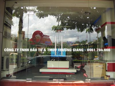 Cửa kính thủy lực đẹp cửa hàng tại Ninh Bình