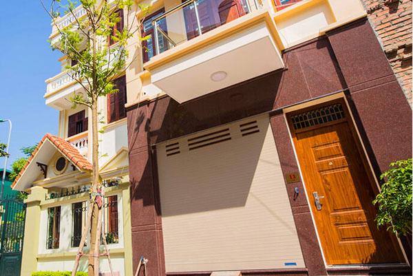 Mẫu cửa cuốn Austdoo xuyên sáng mới nhất tại Ninh Bình