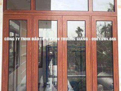 Mẫu cửa sổ nhôm Xingfa đẹp 4 cánh màu vân gỗ
