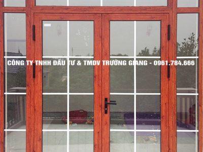 Mẫu cửa nhôm kính đẹp tại Ninh Bình 1