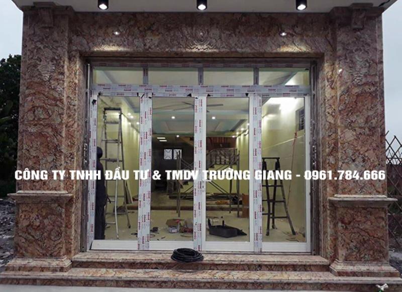 Mẫu cửa nhôm kính đẹp tại Ninh Bình-6