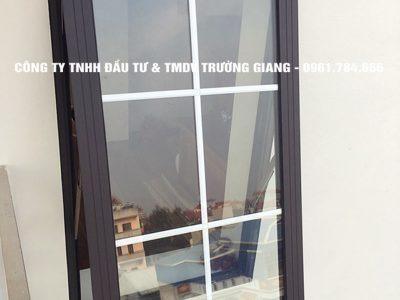 Mẫu cửa nhôm kính đẹp tại Ninh Bình 18