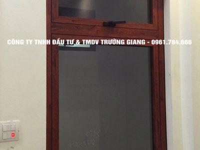 Mẫu cửa nhôm kính đẹp tại Ninh Bình 19