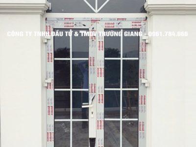 Mẫu cửa nhôm kính đẹp tại Ninh Bình 22
