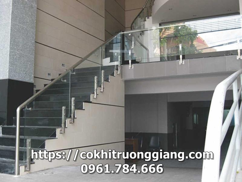 Lan can kính cho tòa nhà BIDV tại Ninh Bình