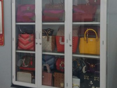 Cửa nhôm Ninh Bình giới thiệu Tủ nhôm kính bán hàng, tủ nhôm kính trưng bày