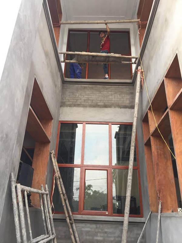 Cửa nhôm xingfa vân gỗ tại Ninh Bình