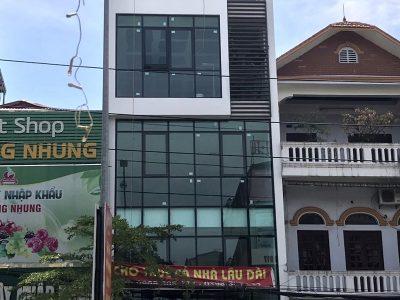 Lắp đặt mặt dựng kính, vách kính nhà anh Dũng Phố Vịt, TP. Ninh Bình